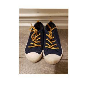EUC Oshkosh Shoes